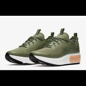 Nike Air Max DIA Women Size 11 Running AQ4312 200